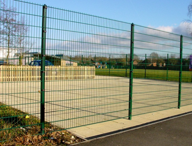 Chainlink and weldmesh fencing